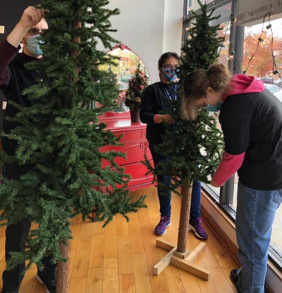 Students are helping to get the store holiday ready!